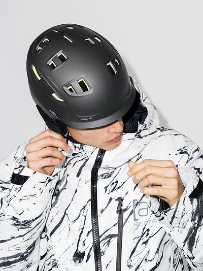 black Prime MIPS helmet
