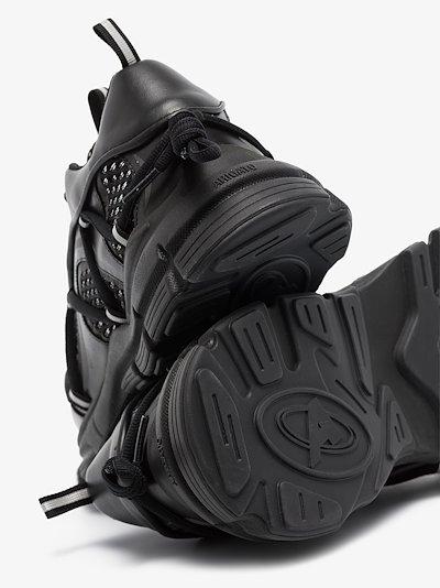 Black marathon bungee R-web sneakers