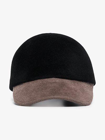 Black Raymond felt cap