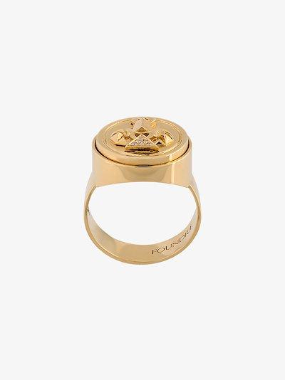 18K yellow gold protection diamond signet ring