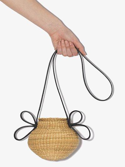neutral Akamae N.18 straw bucket bag