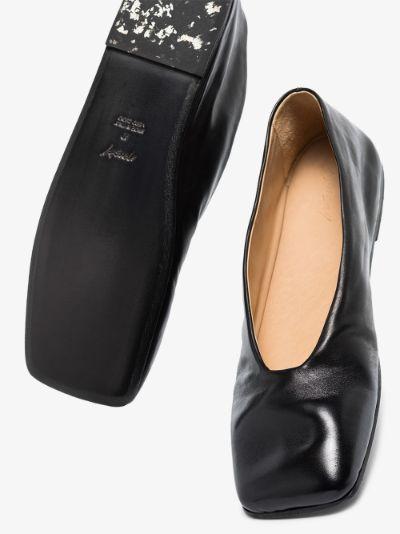 Black Spatolona Leather Pumps