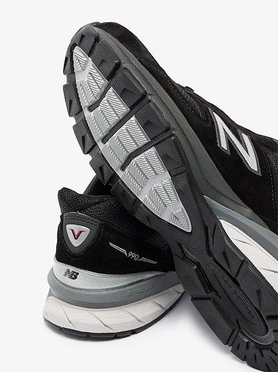 black 990 low top sneakers