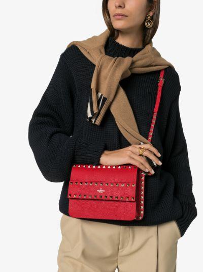 red Rockstud small leather shoulder bag
